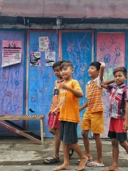 Kids in Kampung Wisata Temenggungan.